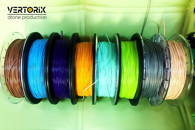Различные цвета FILAFLEX пластика для 3D-печати